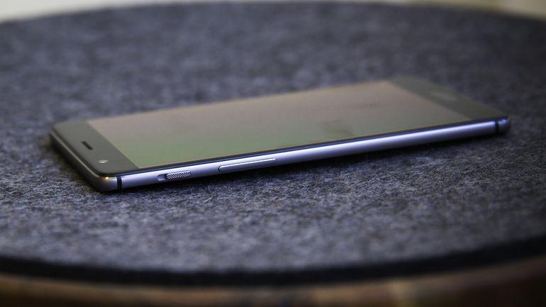 oneplus-3 mobile phone